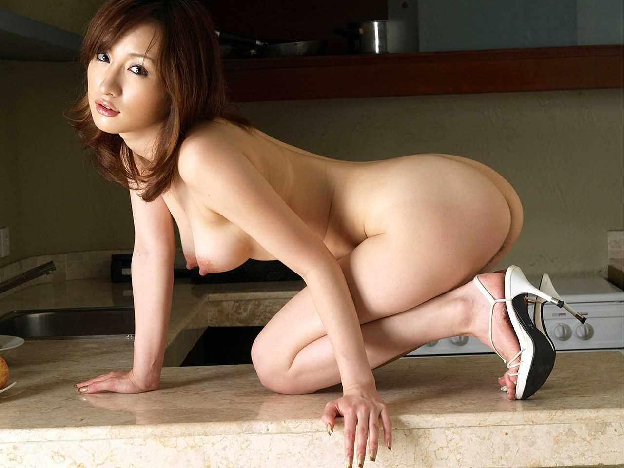全裸にハイヒール履いた女の子 4