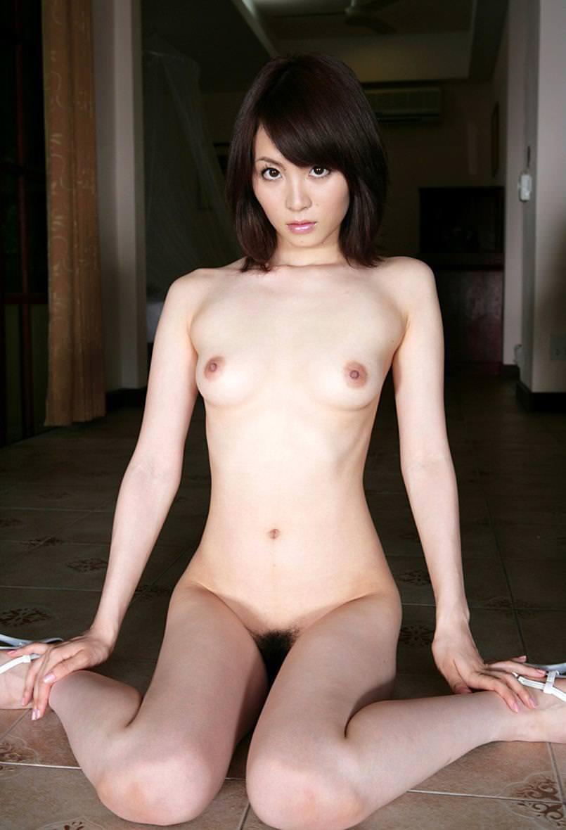 全裸にハイヒール履いた女の子 8