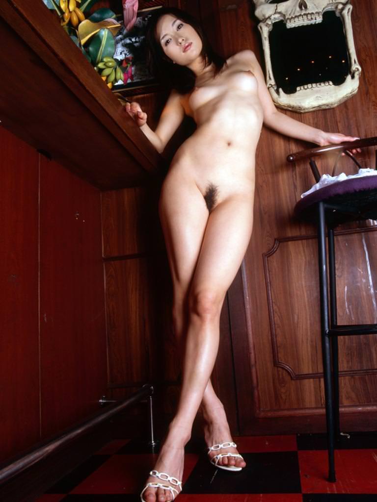 全裸にハイヒール履いた女の子 11