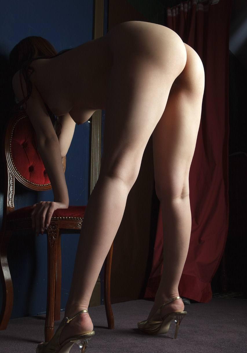 全裸にハイヒール履いた女の子 15