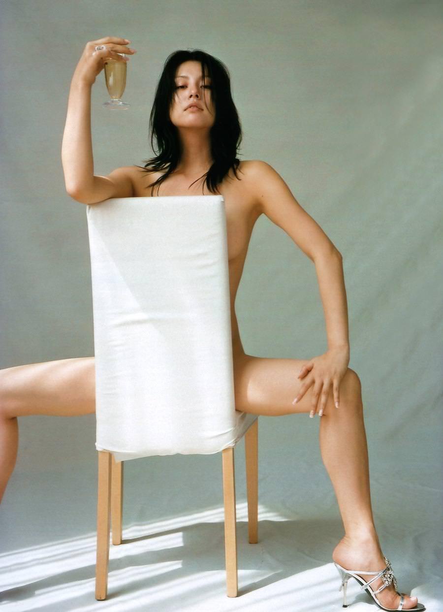全裸にハイヒール履いた女の子 35