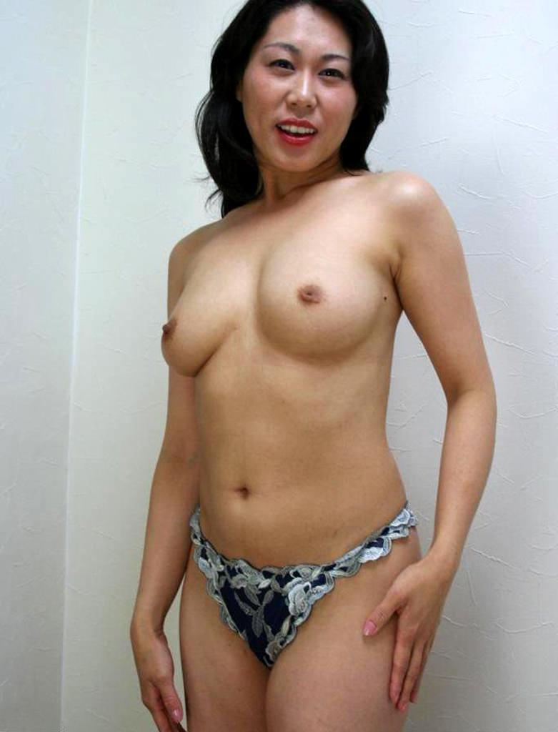 人妻巨乳 8