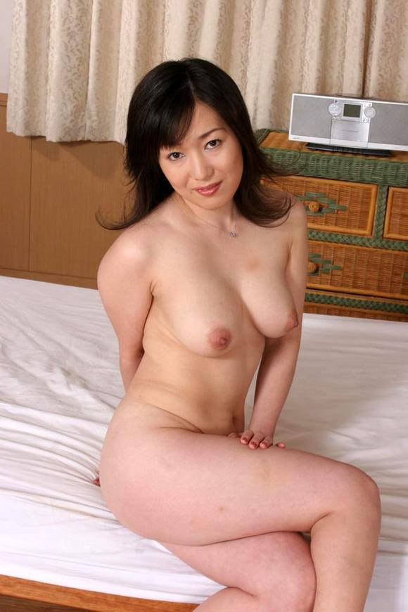人妻巨乳 13