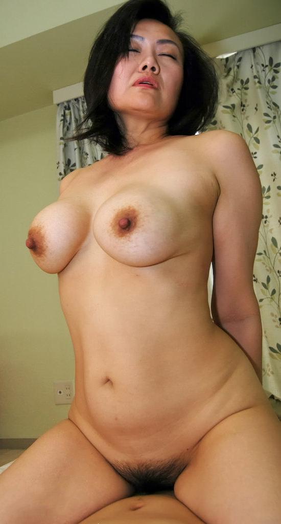 人妻巨乳 15