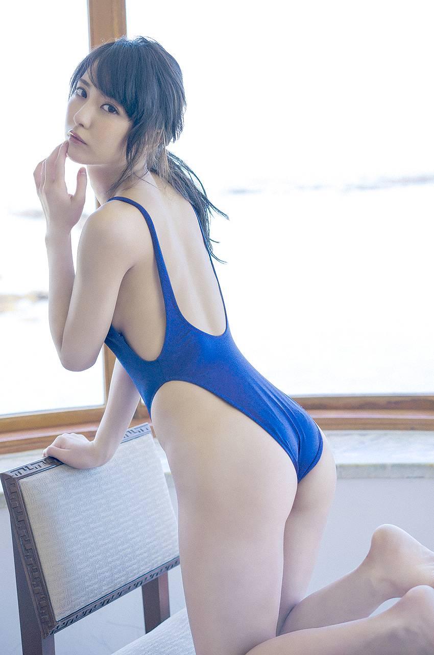 石川恋が水着を食い込ませてギリギリまで露出した結果wwwwwwwwww (画像あり)