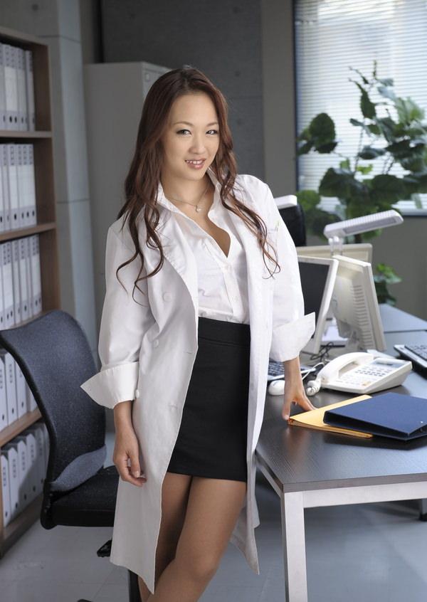美人女医 1