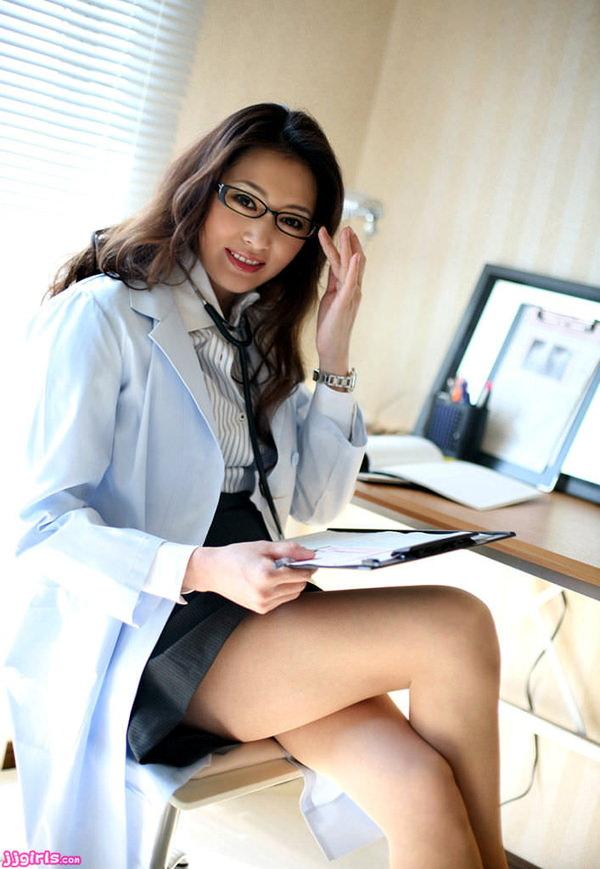 美人女医 19