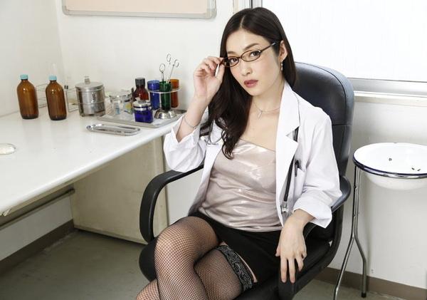 美人女医 22