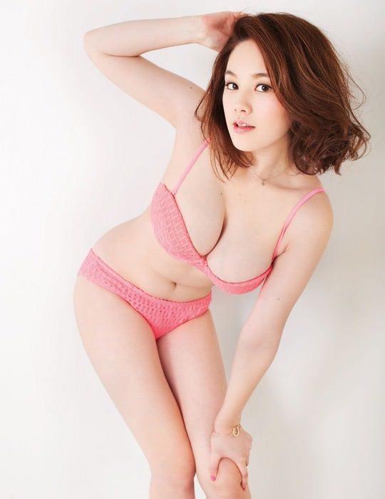 【画像】筧美和子とかいう「ちょいブスだけど最高に抜ける女」の肉体をご堪能下さい