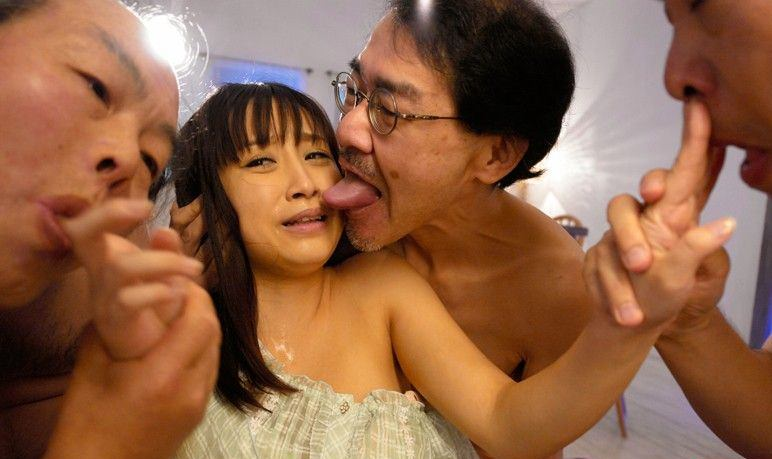 キモメンオヤジと美少女のセックス 2