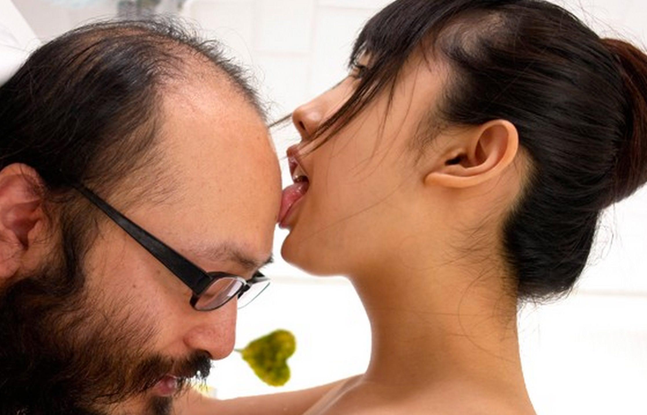 キモメンオヤジと美少女のセックス 5