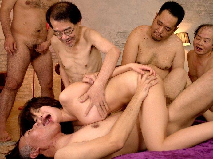 キモメンオヤジと美少女のセックス 35