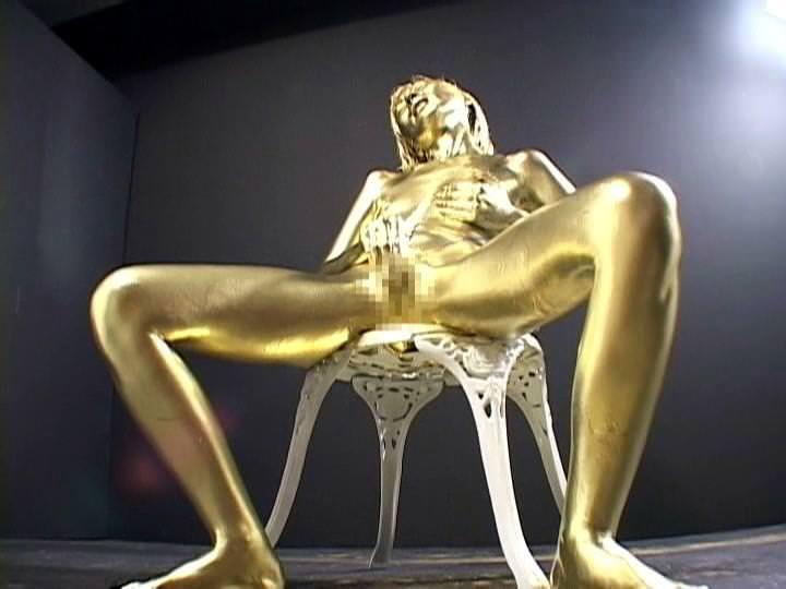 全身金粉のヌード 2