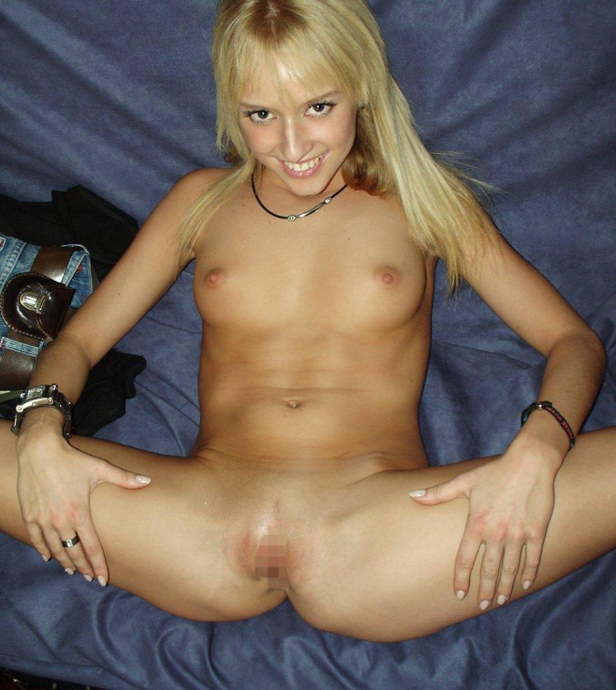金髪外国人の全裸ヌード 11