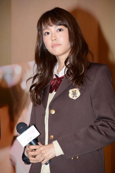 【画像】桐谷美玲25歳の制服姿www監督にギリアウトと言われるも男性ファンに好評