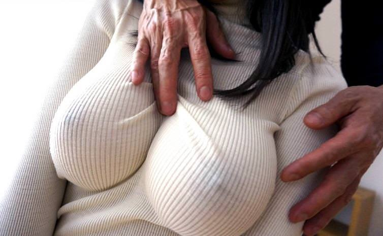 ニットの着衣巨乳 14