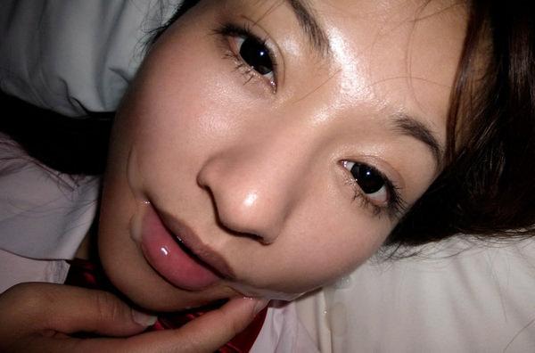 口内射精後の女の顔