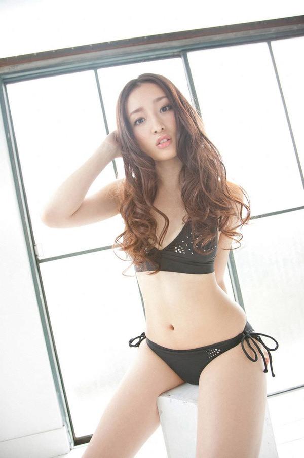 黒ビキニの美少女 5