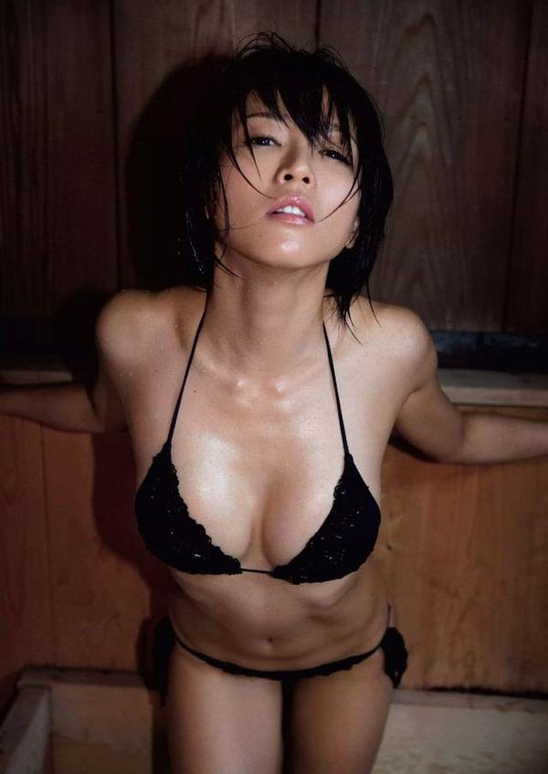 黒ビキニの美少女 10