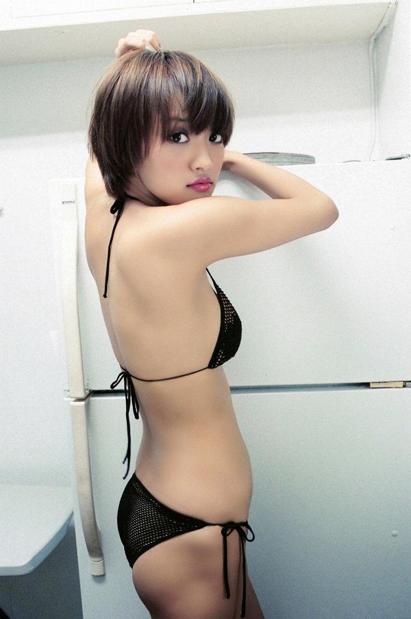 黒ビキニの美少女 17