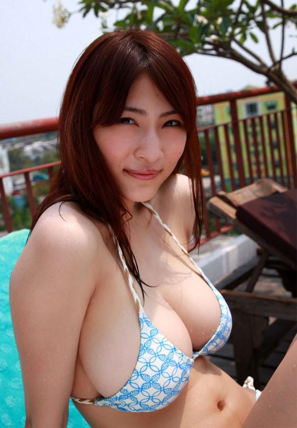 美巨乳ビキニ 9