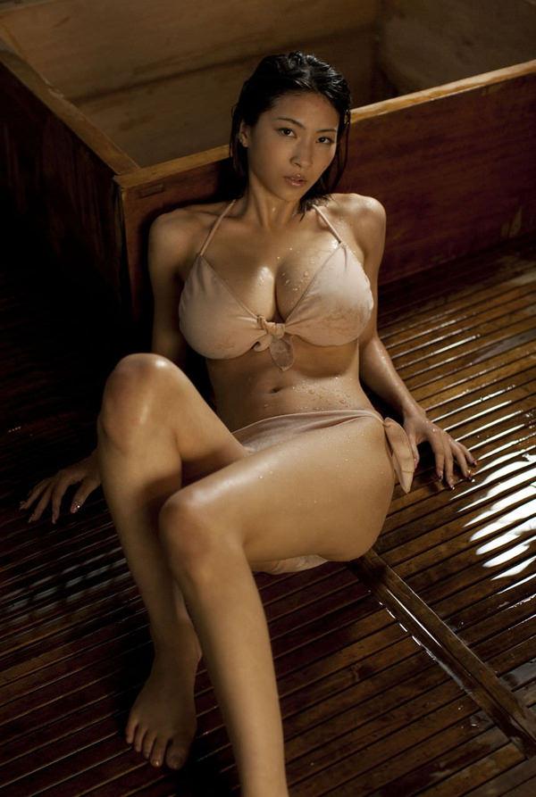 美巨乳ビキニ 11
