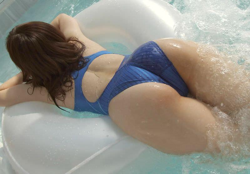 競泳水着のお尻 17