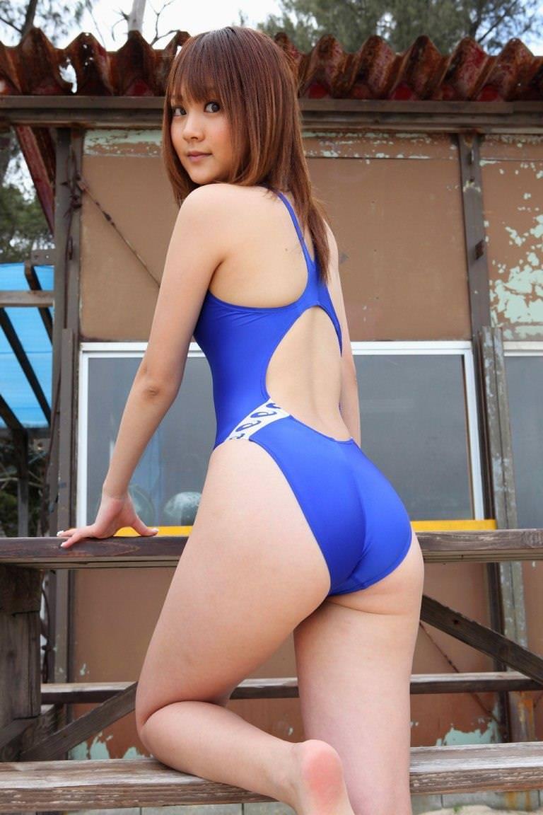 競泳水着の美少女 1
