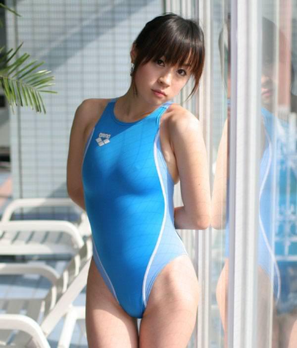 競泳水着の美少女 6