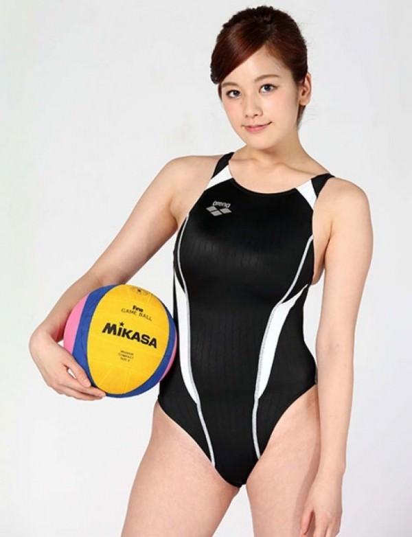 競泳水着の巨乳 21
