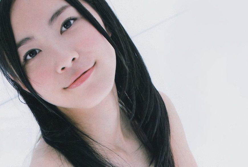 【悲報】松井珠理奈さん(18)、ファースト写真集で手ブラキタ━━(゚∀゚)━━!!