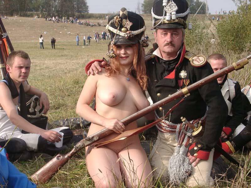 セクシーな民族衣裳の外国人美女 4