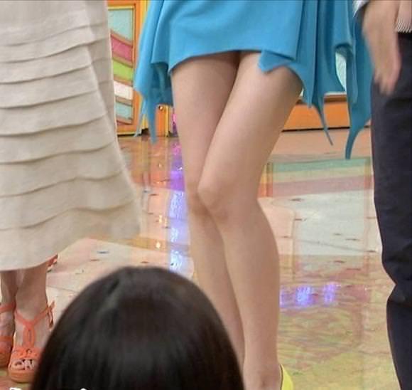エロい生脚の女の子 1
