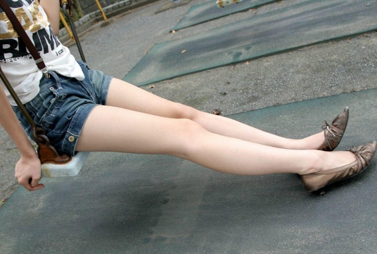 エロい生脚の女の子 12