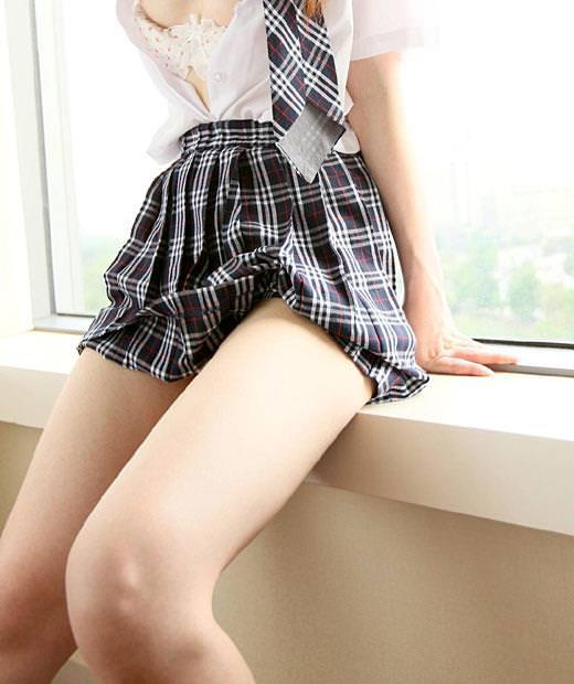 エロい生脚の女の子 20