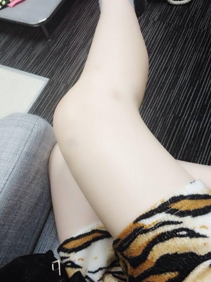 エロい生脚の女の子 35