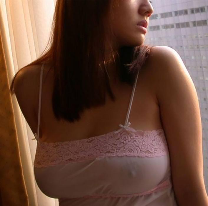 ノーブラで透け乳首、乳首ポッチ 7