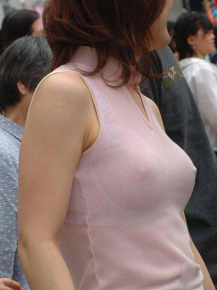 ノーブラで透け乳首、乳首ポッチ 12