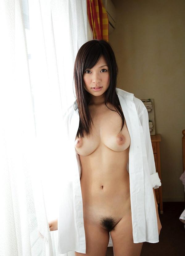 ノーブラで白シャツ羽織ってる女の子 6
