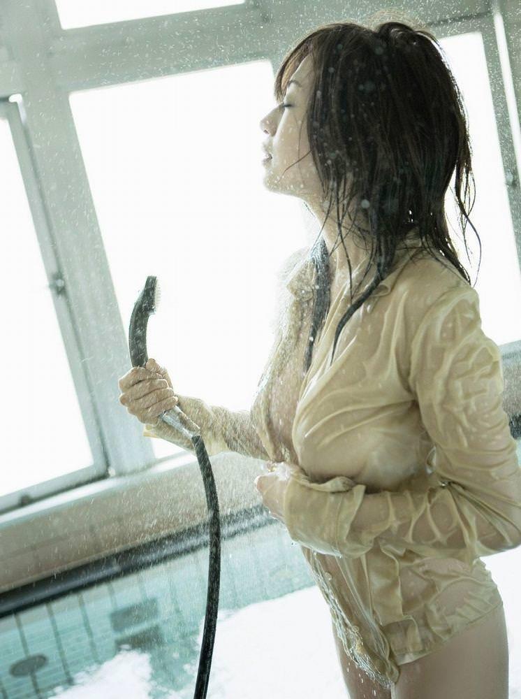 濡れて透けてる女の子 46