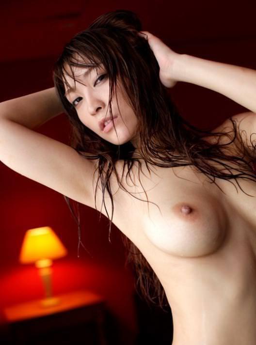 女の子の濡れた髪 1