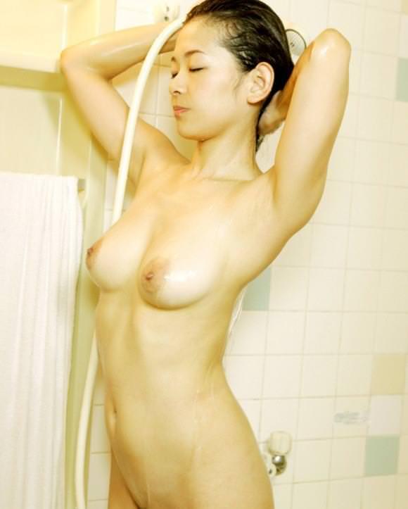 女の子の濡れた髪 7