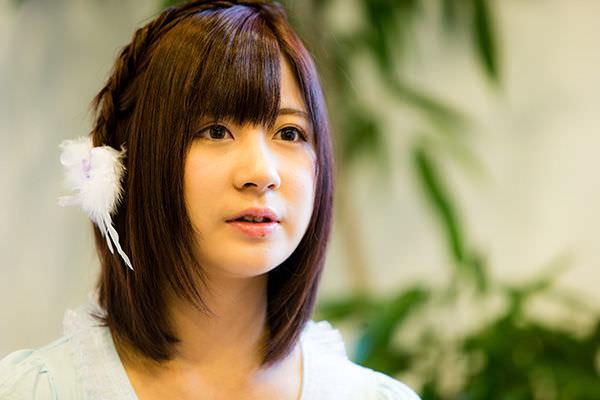 元AKB小野恵令奈の現在画像ww歌舞伎町のBAR「BUBBLY(バブリー)」の看板娘ERENAに!?