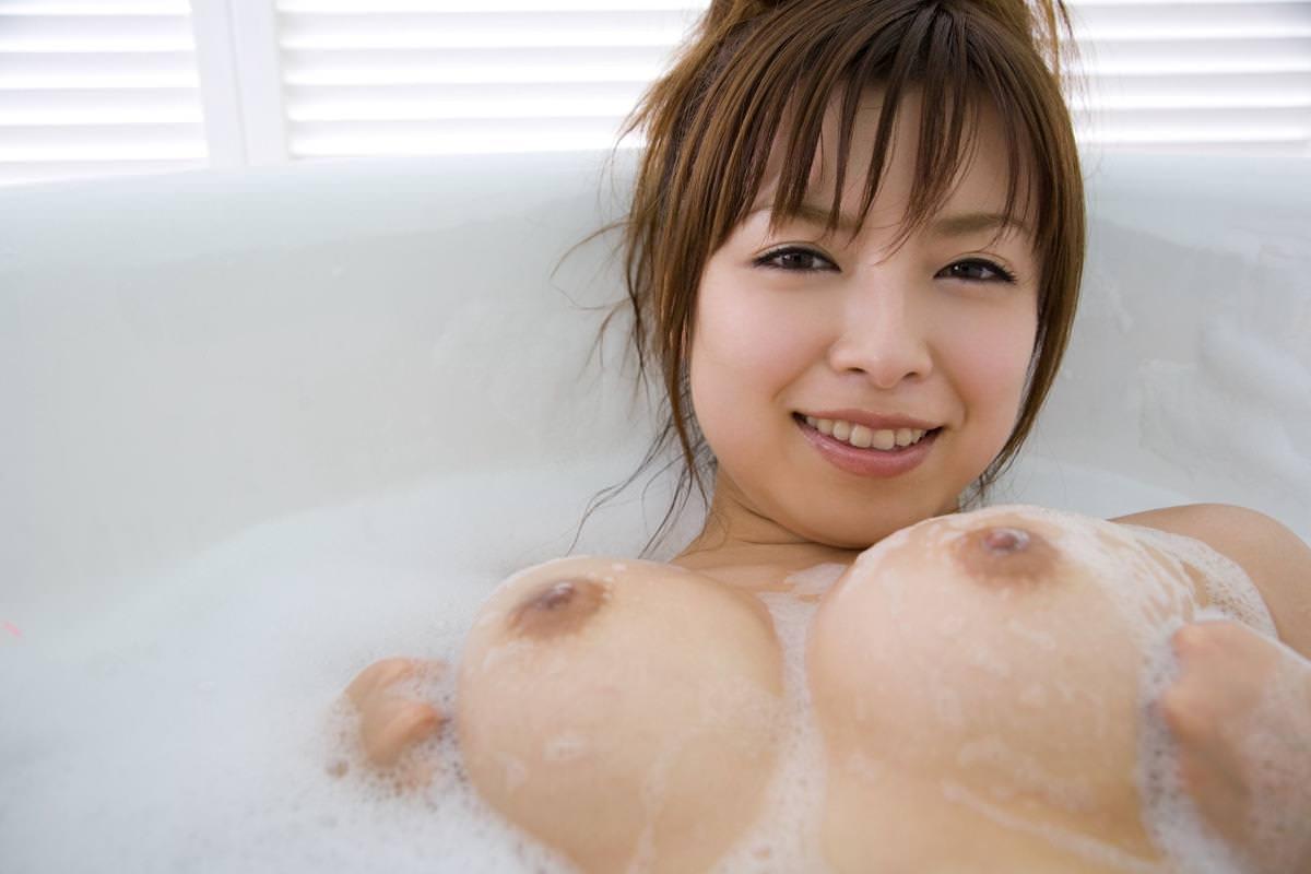 泡ブラおっぱい 16