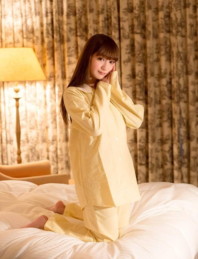 パジャマ姿の女の子 27