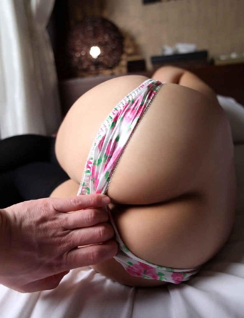 女の子のパンツ脱がし 9