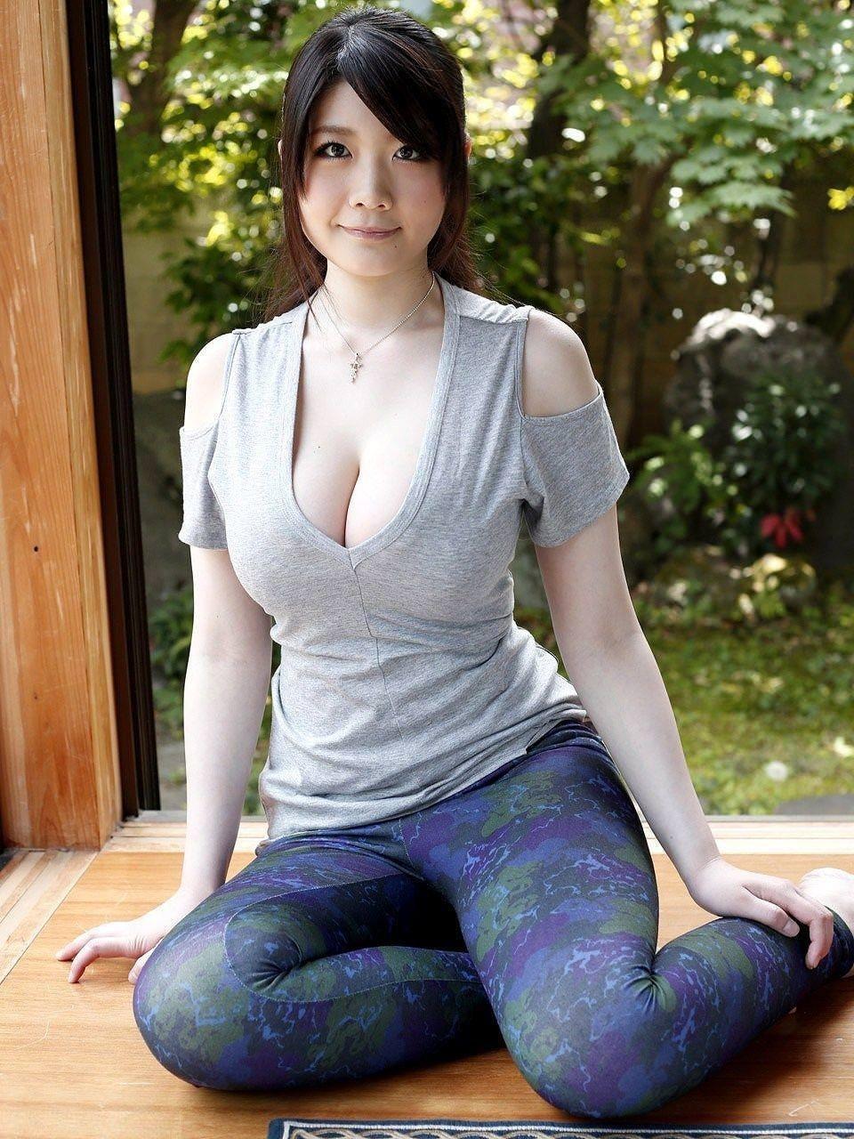 ムチムチのぽっちゃりの着衣 9