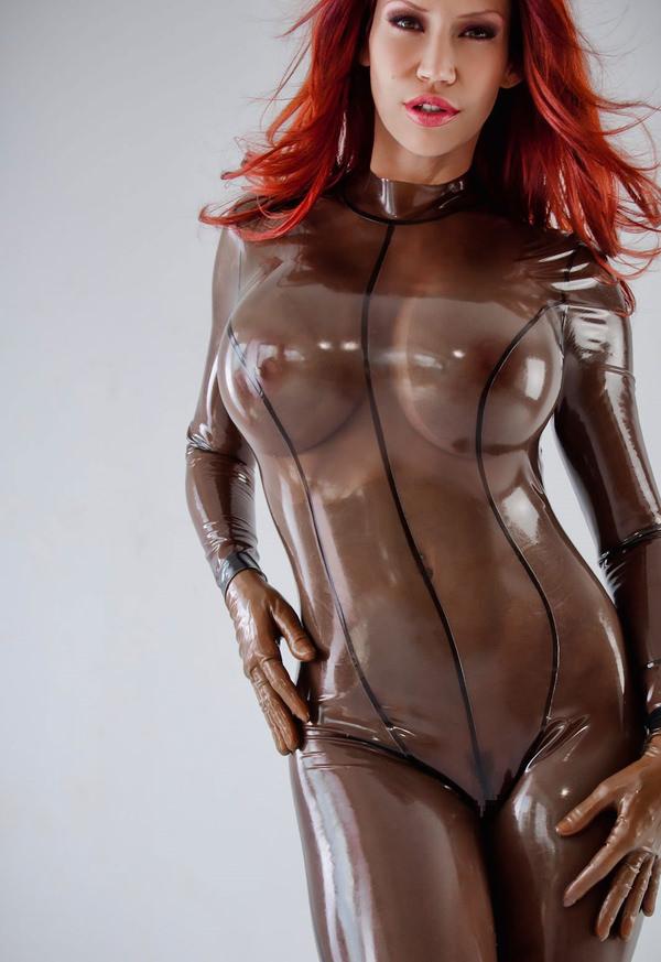 ラバースーツの外国人美女 1