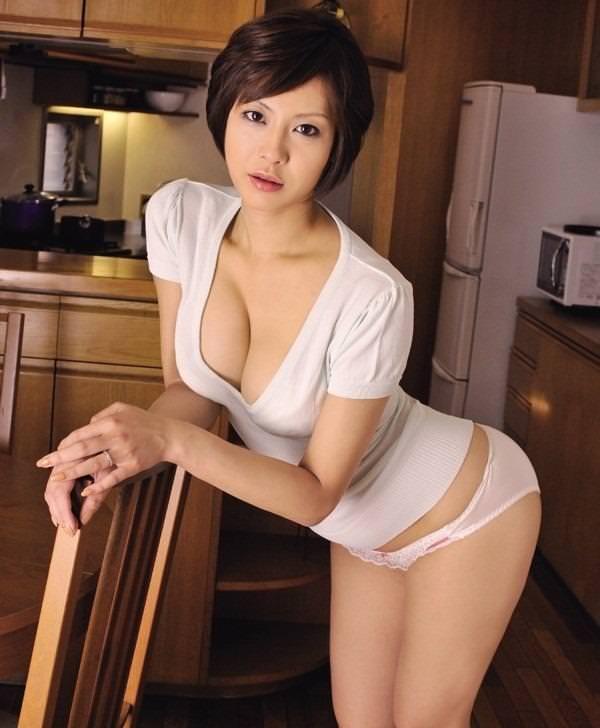 清楚な人妻とセックス 12