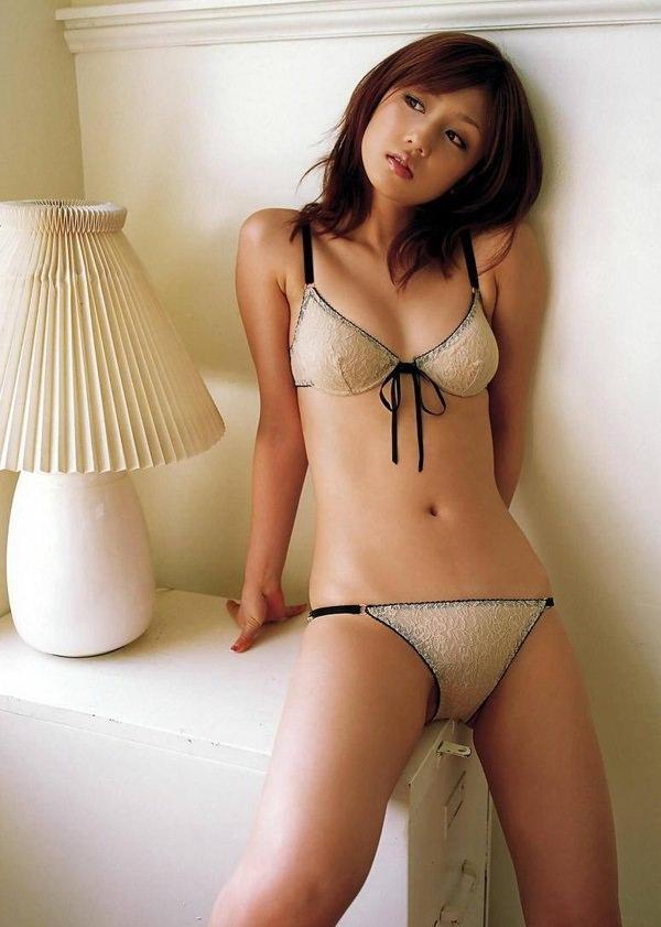 可愛い下着姿のスレンダー美少女 14